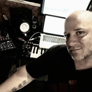 Recording Studio in NJ,multiplatinum producer, remixer, engineer Steve www.AudiomaxxStudios.com