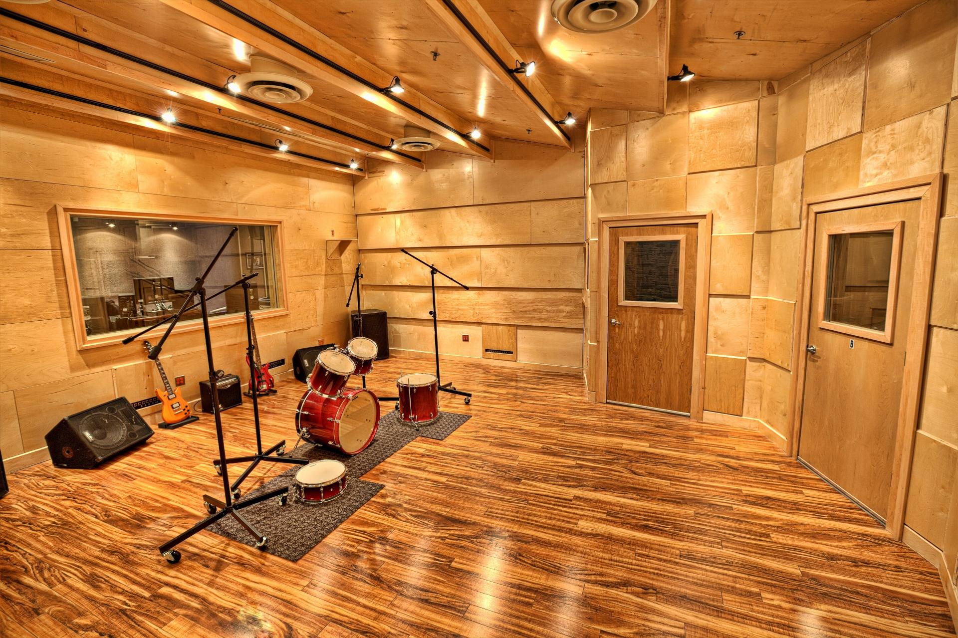 live recording room www.audiomaxxstudios.com