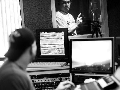 The phillies' carlos ruiz recording voiceover at audiomaxx studios, cherry hill, nj www.audiomaxxstudios.com